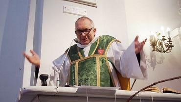 Ks. Drozdowicz podczas odprawiania mszy w styczniu 2017 r.