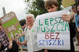 Marsz dla Puszczy przeszedł przez Warszawę. Córka leśniczego nie cięłaby niczego