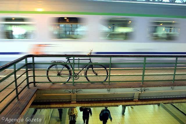 Niedługo wejście z rowerem na stacje nie będzie zagrożone mandatem.