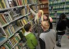 Bibliotekarze w czapkach czarodziej�w otworzyli zakamarki biblioteki [ZDJ�CIA]