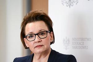 PiS organizuje pokazową lekcję historii. Do liceum na warszawskiej Pradze przyjedzie minister Anna Zalewska