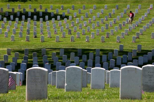 """Raport """"Koszty wojny"""". Od roku 2001 zgin�o w Afganistanie niemal 100 tys. ludzi"""