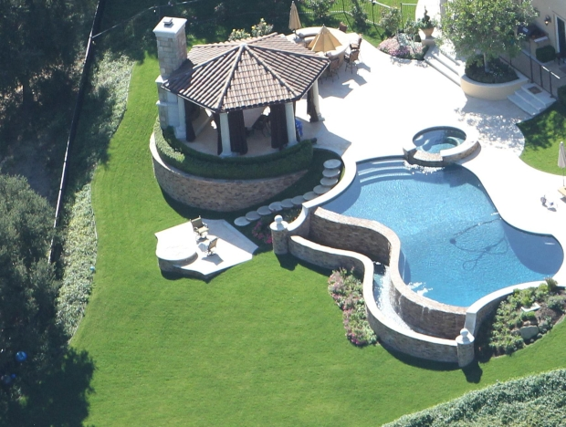 Aerial shots of Jennifer Lopez's sprawling Calabasas mansion. October 19, 2012 X17online.com EXCLUSIVE    Sandro/X17online.com *** Local Caption ***