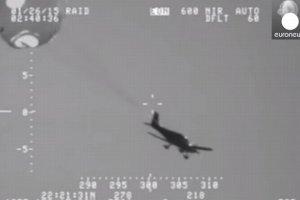 Wodowanie na Pacyfiku. Pilota uratował spadochron podczepiony do... samolotu [WIDEO]