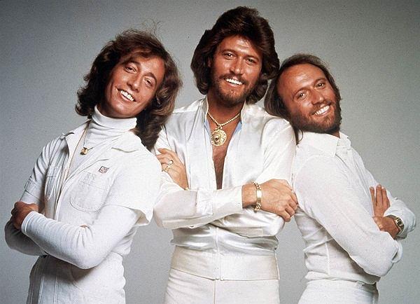 Universal dogadał się z Barrym Gibbem i spadkobiercami nieżyjących braci Gibb. Wspólnie zrealizują broadwayowski musical.