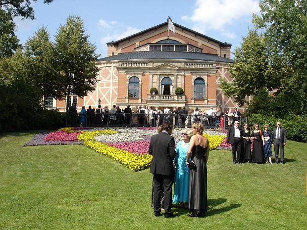 Festspiele - Teatr festiwalowy w Bayreuth, gdzie każdego lata odbywa się słynny festiwal wagnerowski