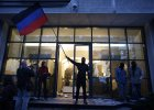 Sobota na Ukrainie: obserwatorzy OBWE uwolnieni, wr�cili do domu. Trwaj� zamieszki