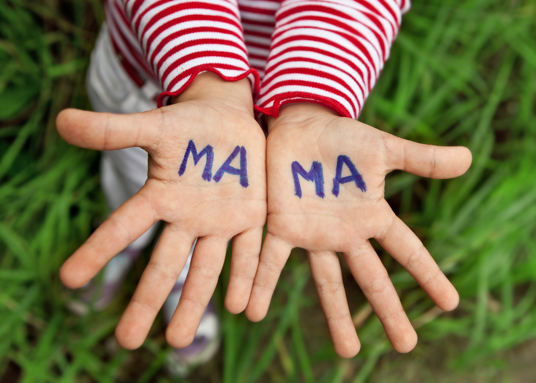 Zatajanie przed dzieckiem informacji o tym, że zostało adoptowane, to błąd (fot. Shutterstock.com)