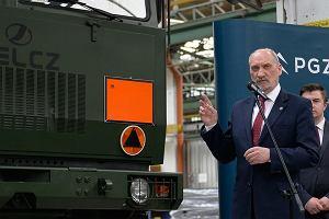Macierewicz da napęd od Mercedesa dla wojsk obrony terytorialnej