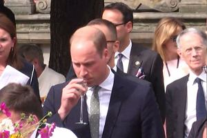 Książę William poczerwieniał po degustacji gdańskiego likieru