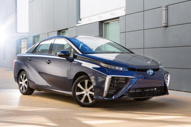 Toyota Mirai dotarła do Europy