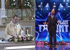 """Pamiętacie księdza śpiewającego """"Hallelujah""""? Teraz wystąpił w """"Mam talent!"""". I znów poradził sobie znakomicie"""