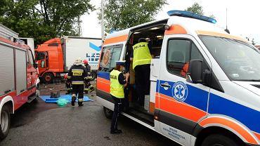 Wypadek na ulicy Krapkowickiej w Opolu. Zderzenie dwóch tirów i skody