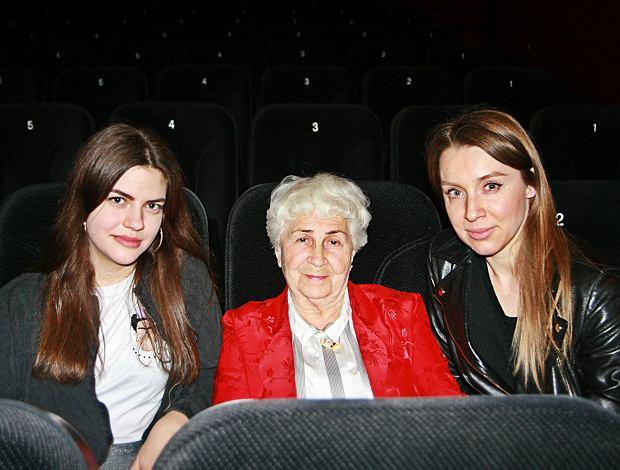 """16-, 38- i 82-latka obejrzały razem w kinie """"Sztukę kochania"""". """"Dużo scen seksu, penisa jednak nie widać"""""""