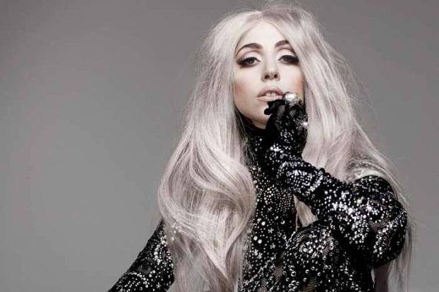 Znana piosenkarka z powodu stanu zdrowia musiała odwołać trasę koncertową. Promocja albumu ''Joanne'' musi zaczekać. Co dzieje się ze zdrowiem Lady Gagi?