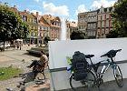 Chciał przejechać przez Europę, ale w Wałbrzychu ukradli mu rower. To, co zrobili mieszkańcy... Niesamowite!