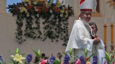 Zdymisjonowany przez papieża Franciszka chilijski biskup Juan Barros