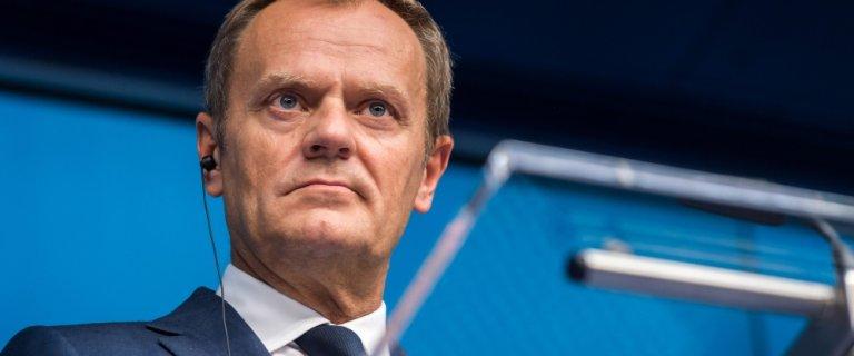 Grecy zdecydowanie na NIE w referendum. Donald Tusk zwo�uje na wtorek unijny szczyt