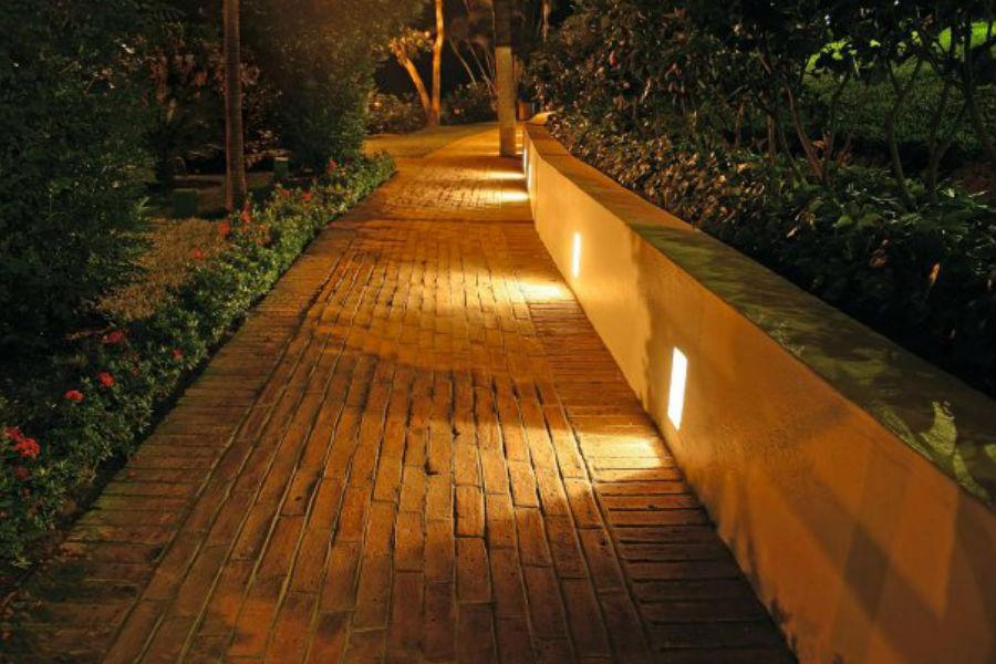 Najpiękniejsze lampy do ogrodu
