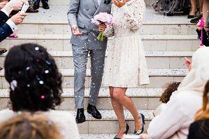 Stylizacje na ślub: trzy propozycje dla mam państwa młodych