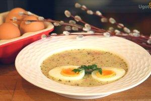 Żur z białą kiełbasą i jajkiem [Jakub Kuroń gotuje]