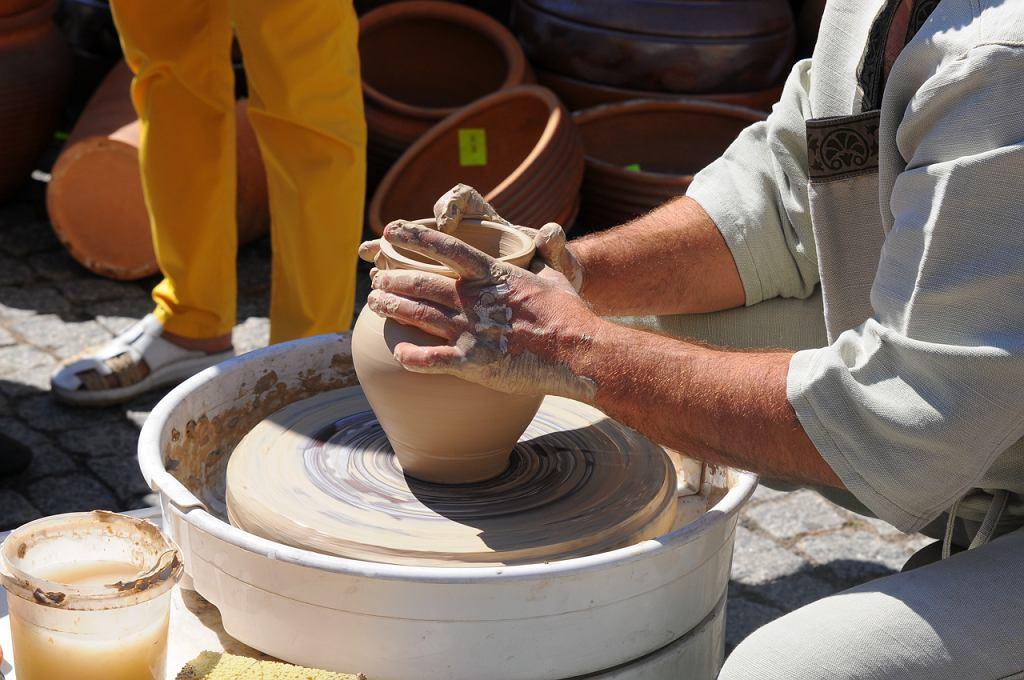 Nowe wzory ceramiki / ADRIAN KOWALSKI