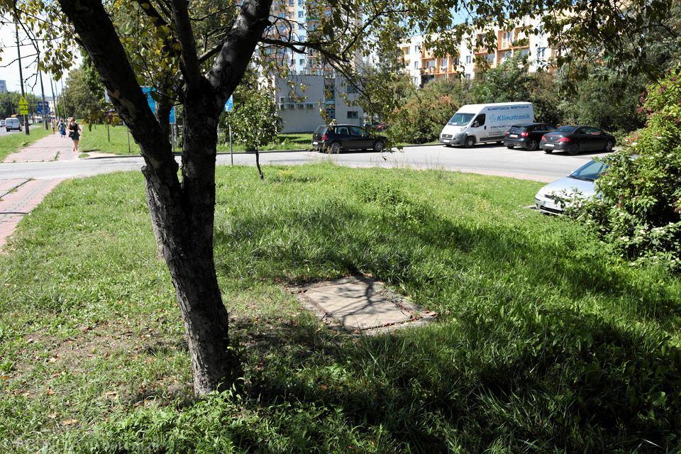 Kielce, 8 sierpnia 2018. Ulica Warszawska.  Okolice miejsca, w którym w 1986 roku zabito funkcjonariusza Wojewódzkiego Urzędu Spraw Wewnętrznych
