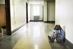 Jak pom�c dziecku przetrwa� szkolny stres?