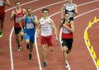 W sztafecie 4 x 400 m biegnie Karol Zalewski z AZS UWM Olsztyn