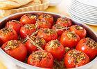 Pomidory faszerowane makaronem, mi�sem i fet�