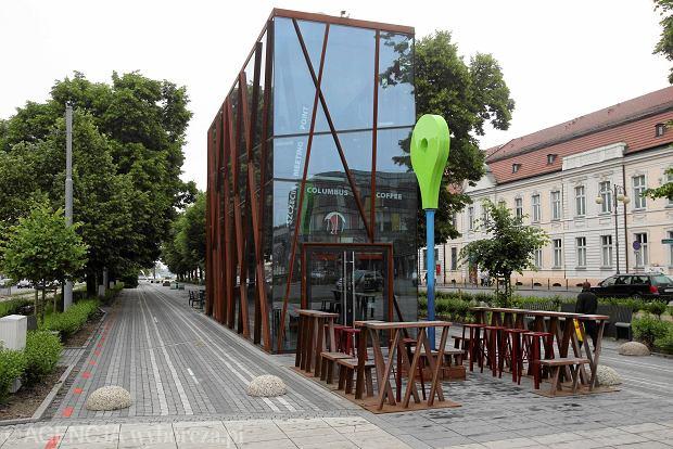 Pawilon w Alei Kwiatowej, fot. Cezary Aszkiełowicz / Agencja Gazeta