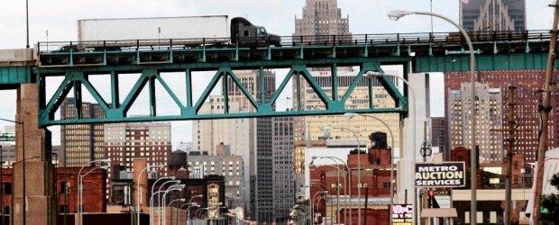 Detroit w�a�nie zaczyna bankrutowa�. 18 mld d�ugu, ludzie uciekaj�, bezrobocie ponad 23 proc.