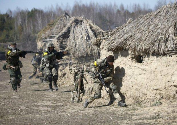Ćwiczenia ukraińskiego batalionu Ajdar, 9 kwietnia 2015