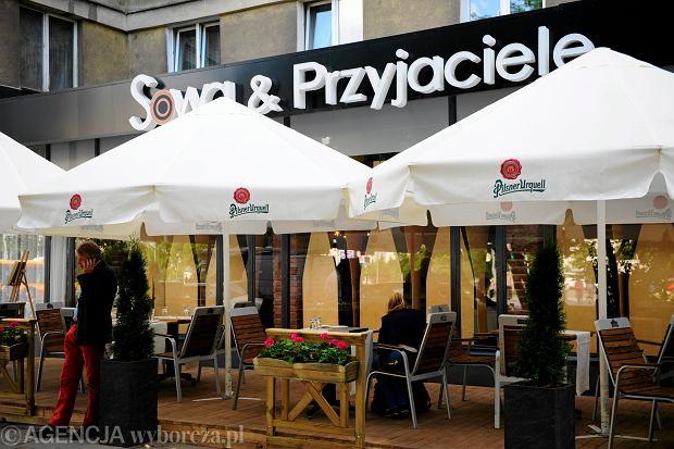 Restauracja Sowa i Przyjaciele w Warszawie. To m.in. tu nagrywano polityk�w
