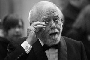Richard Attenborough nie �yje. Mia� 90 lat
