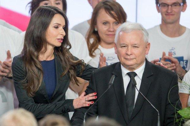 Marta Kaczy�ska w sztabie wyborczym PiS. �wi�towa�a wygran� razem z Jaros�awem Kaczy�skim