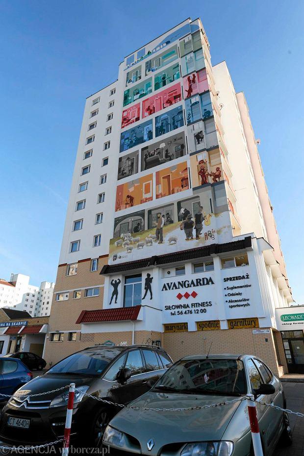 Zobacz jak powstawa najwi kszy mural w toruniu for Mural na tamie w solinie
