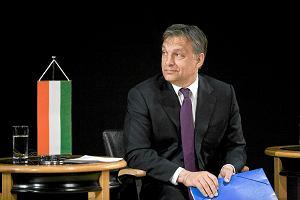 Ni�sze podatki, interwencja w sprawie kredyt�w we frankach - to da�o sukces Orbanowi [PUBLICY�CI]