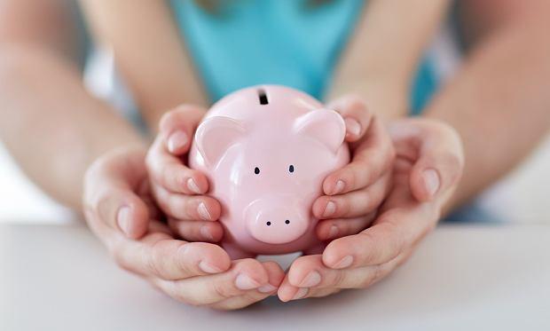 Jeśli sami nie potrafimy zupełnie zarządzać swoimi finansami, trudno nam będzie nauczyć tego dziecko