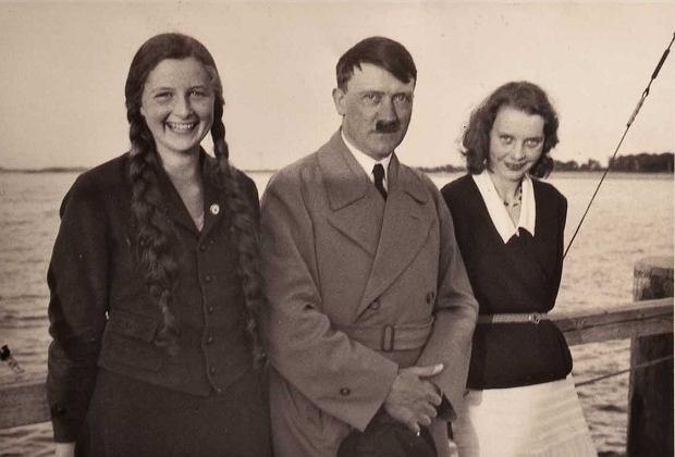 Zdjęcie numer 1 w galerii - Hitler nagradzał kobiety za wielodzietność Krzyżem Matki. Jednak nie każda mogła go dostać [fragment książki]