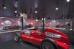 Nowe Muzeum Historii Alfy Romeo   Warto odwiedzi�