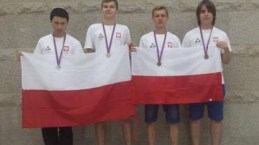 Nastoletni zawodnicy z Polski rewelacyjnie poradzili sobie na Międzynarodowej Olimpiadzie Informatycznej w Rosji