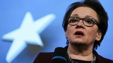 Minister edukacji w rządzie PiS Anna Zalewska szumnie obiecywała wzrost płac nauczycieli