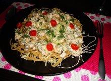 Spaghetti z �ososiem i sosem koperkowym - ugotuj