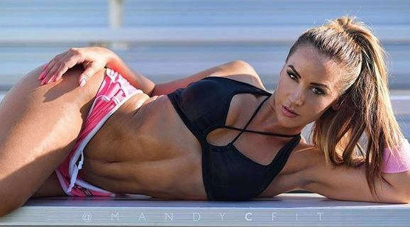 Amanda Cherundolo. Nie ćwicz dlatego, że nie cierpisz swojego ciała. Trenuj, ponieważ je kochasz