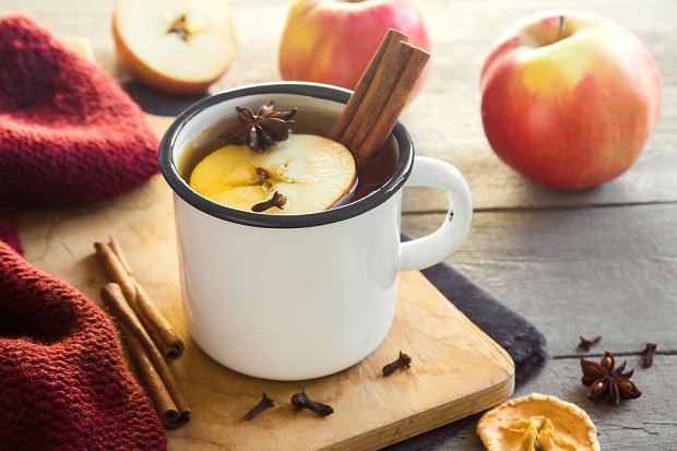 Odkryj swój ulubiony smak na Święta - przepisy na rozgrzewające herbaty