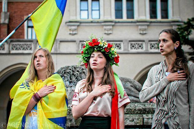 """""""Rzeczpospolita"""": Ukrai�cy ci�gn� do Polski"""