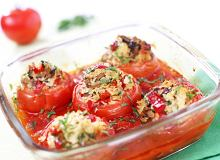 Pomidory faszerowane ryżem, pieczarkami i papryką - ugotuj