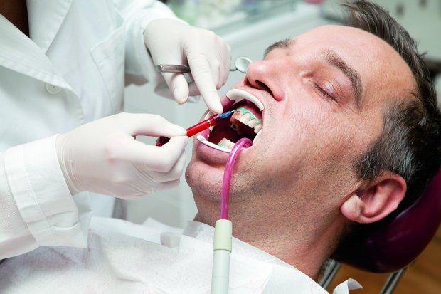 Zdjęcie numer 1 w galerii - Wybielanie zębów: wszystko, co musisz wiedzieć