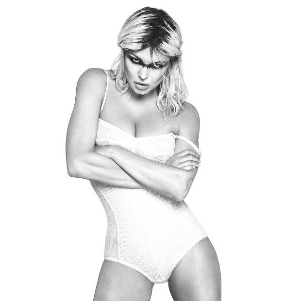 """Po jedenastu latach nieobecności Fergie powraca z nowym albumem. """"Double dutches"""" swoją premierę będzie mieć już w przyszłym tygodniu."""